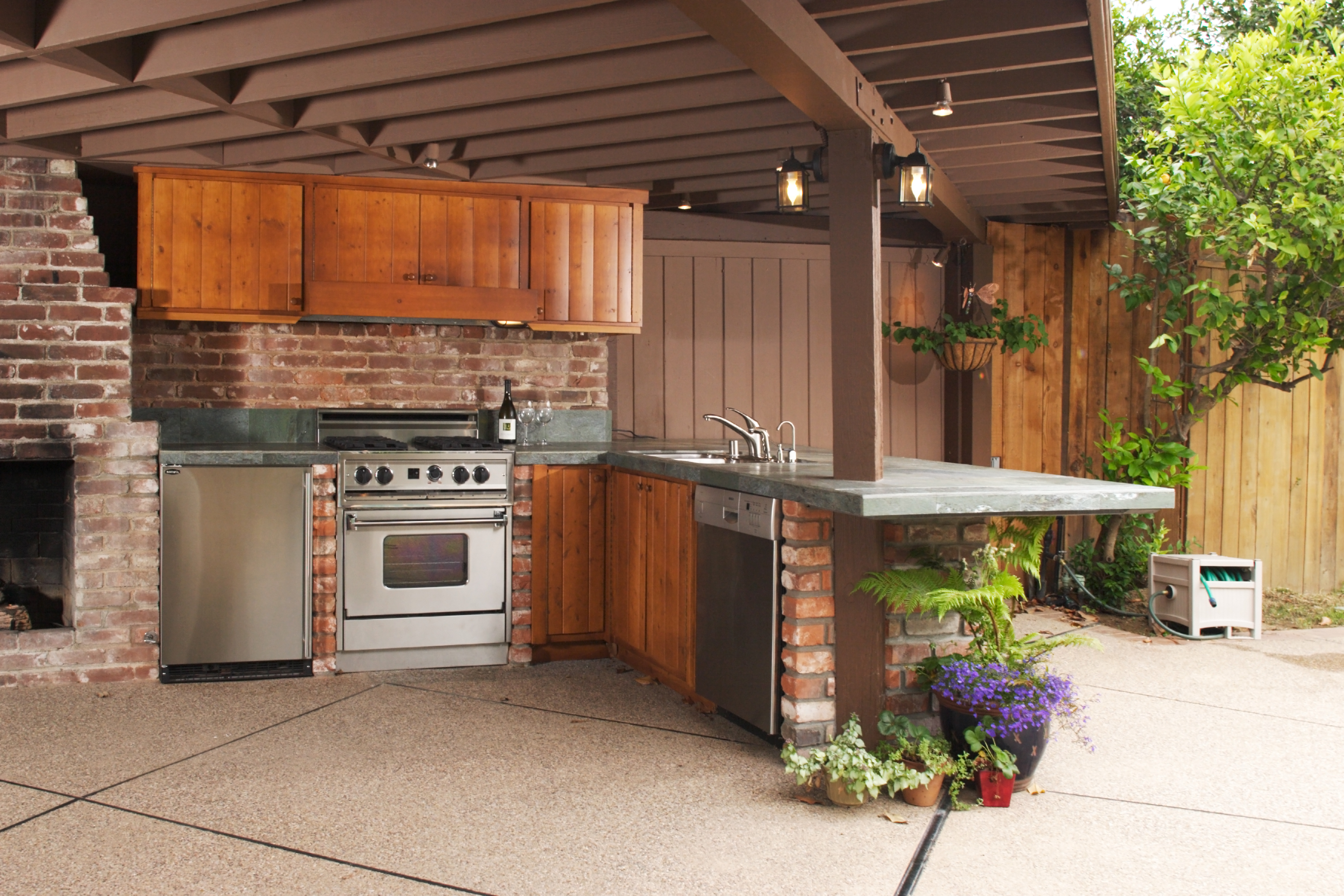 Reliable construction remodeling 800 222 0565 for Reliable remodeling
